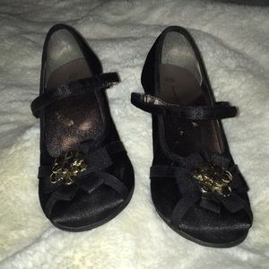 American Eagle Outfitters Shoes - girls black heels